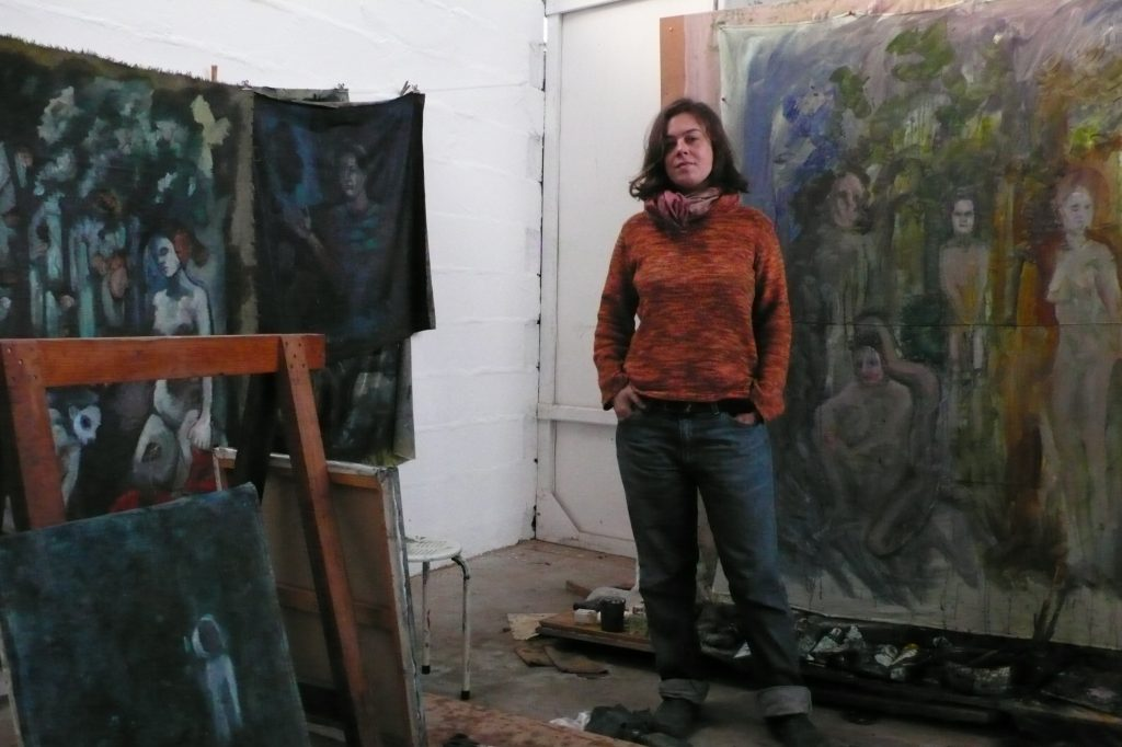 Emilie Lagarde dans son atelier