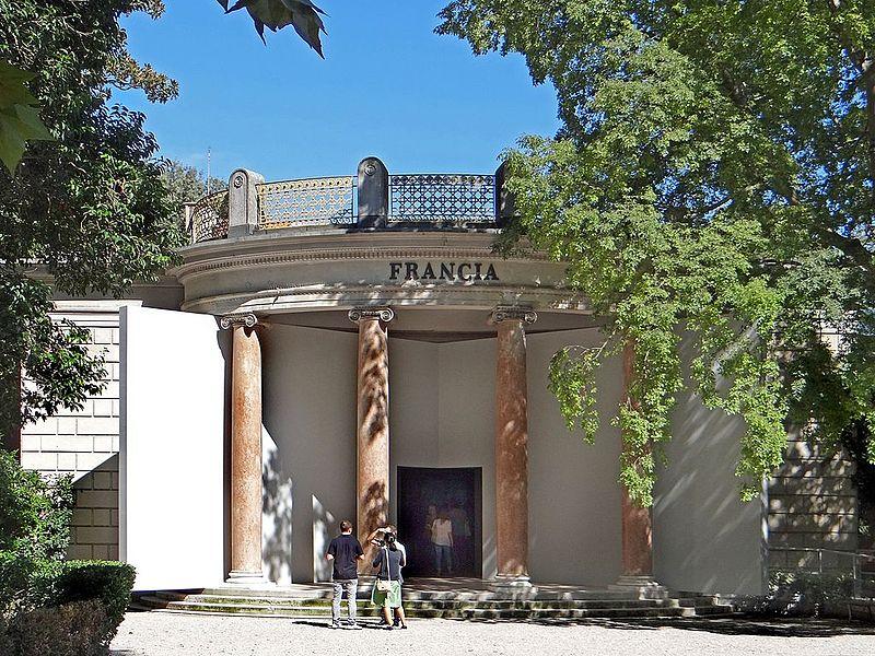 Le pavillon français, photographie de Jean-Pierre Dalbéra, CC-BY-2.0 - Biennale de Venise