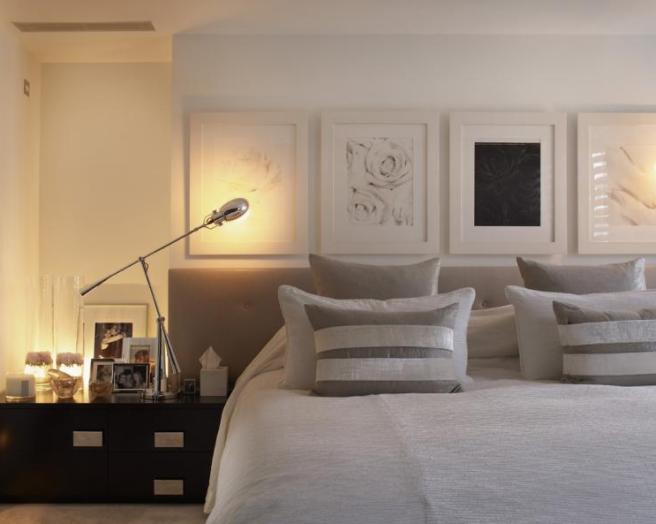 Chambre et tableaux