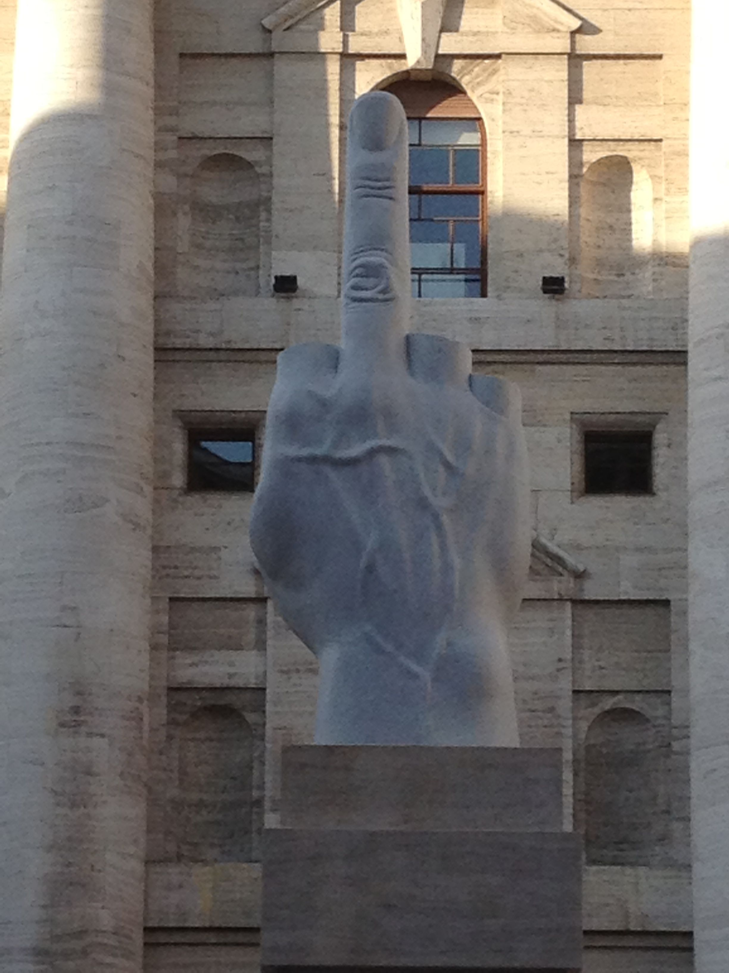 Fabuleux 10 oeuvres d'art contemporain qui ont choqué le public - Le blog d  UI01