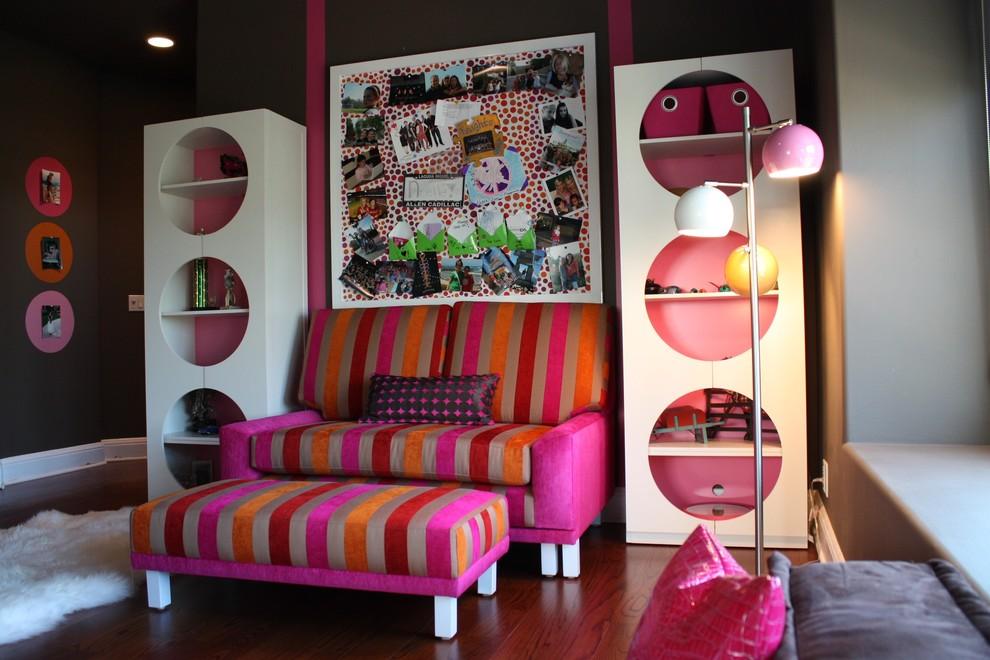 sofa and bold artwork pink