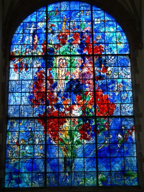 Vitrail pour la paix - Chagall - Site Alérions