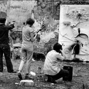 Niki de Saint-Phalle : des pinceaux à la carabine