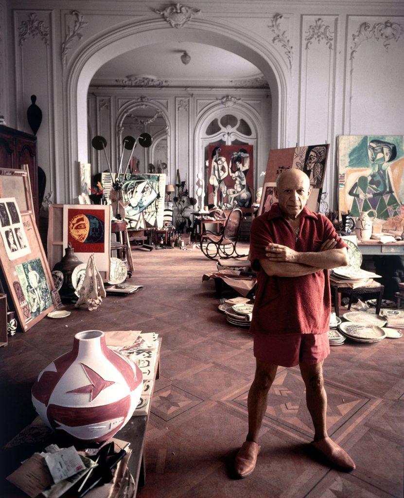 Picasso en 1956 dans son atelier de la villa La Californie