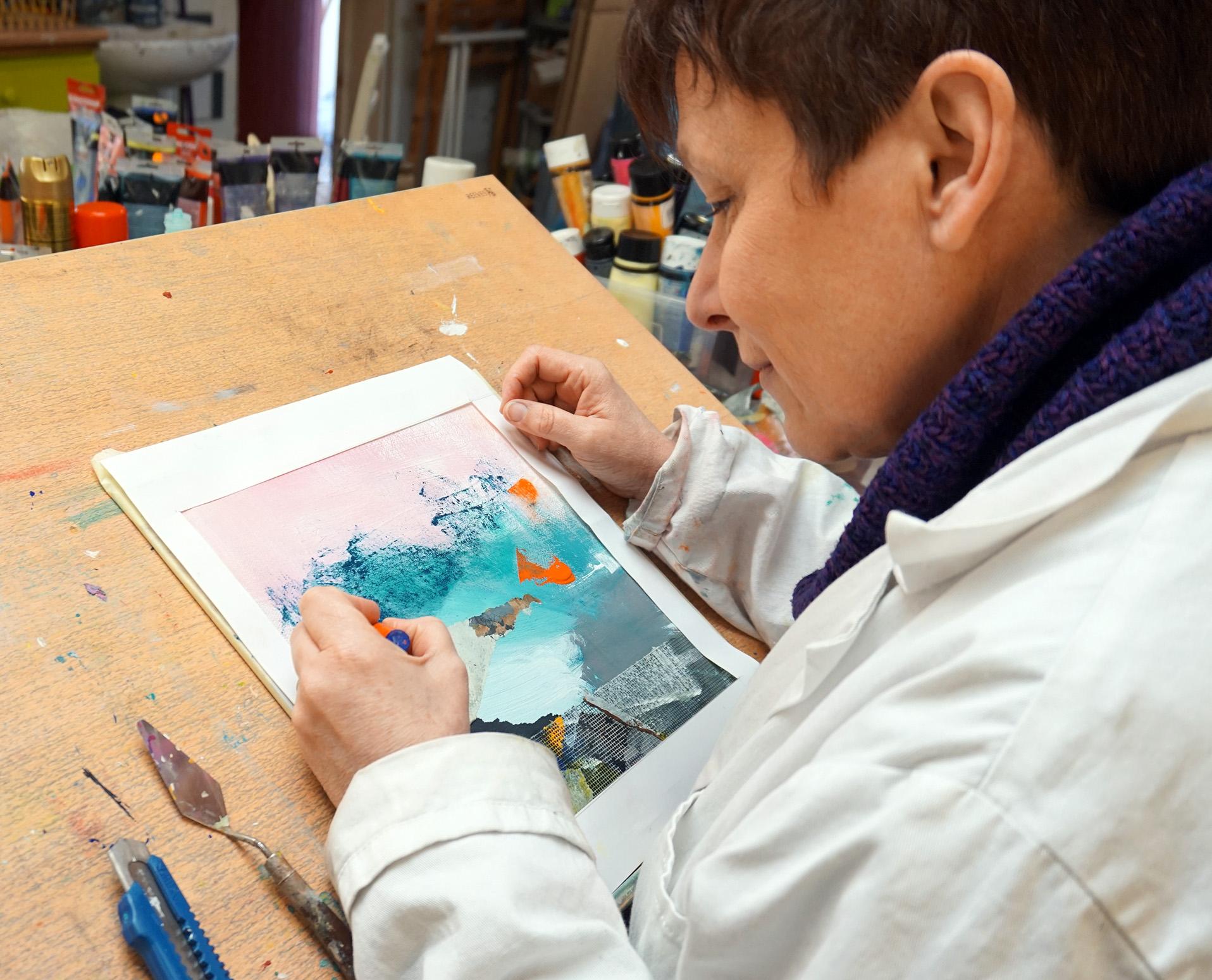Marianne Quinzin dans son atelier