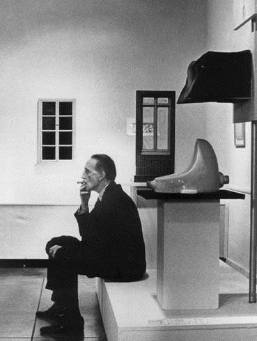Duchamp at the Fountain