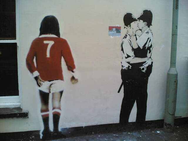 Banksy, Kissing Policemen