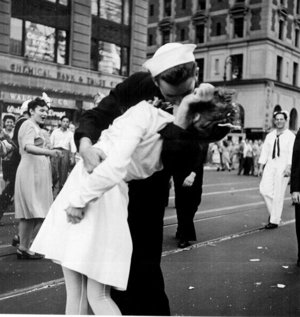 Victor Jogensen, Kissing the War Googbye (1945)