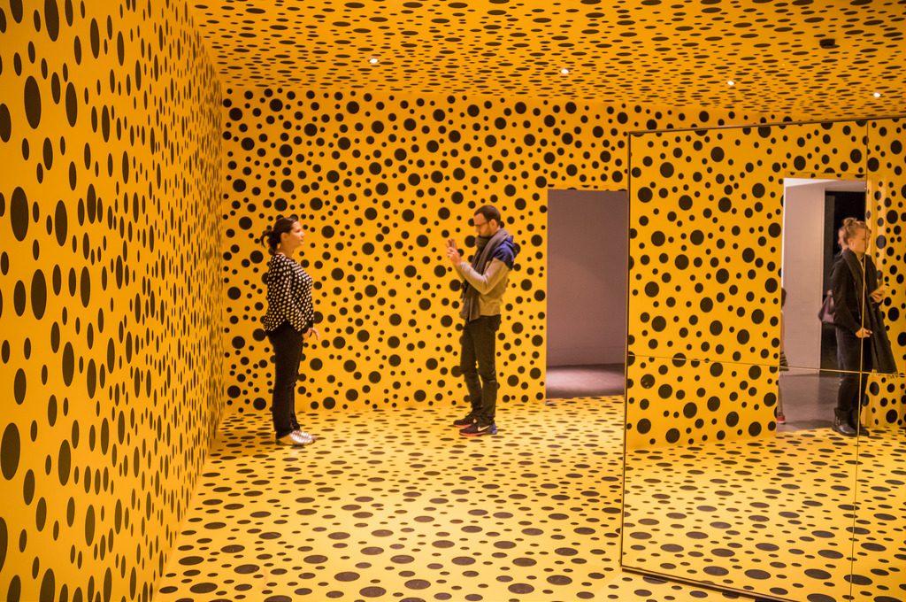 Yayoi Kusama, Mirror Room (Pumpkin), 1992 / Flickr, Susanne Nilsson, CC BY-SA 2.0