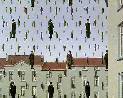 Golconda – René Magritte 1953 / Flickr, Ian Burt, CC BY 2.0