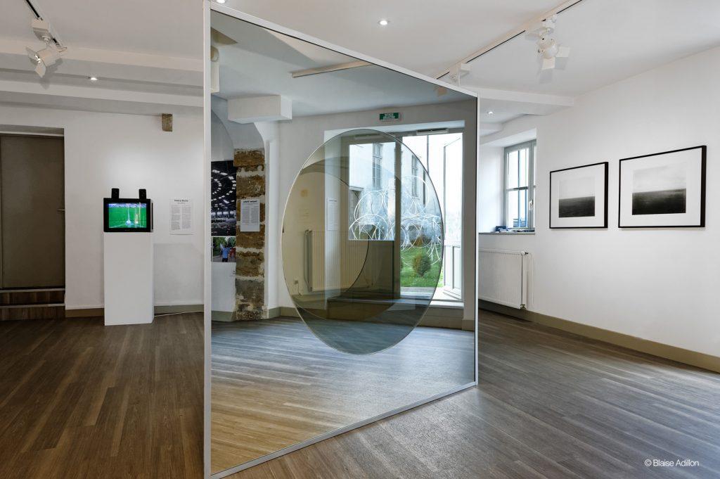 Salle d'exposition de la Fondation, Biennale de Lyon 2015, (C) Blaise Adilon