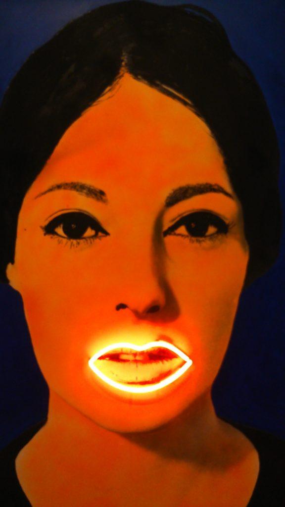Martial Raysse, Peinture à haute tension, 1965 huile et néon, construction-collage, 162,5 x 97,5 cm