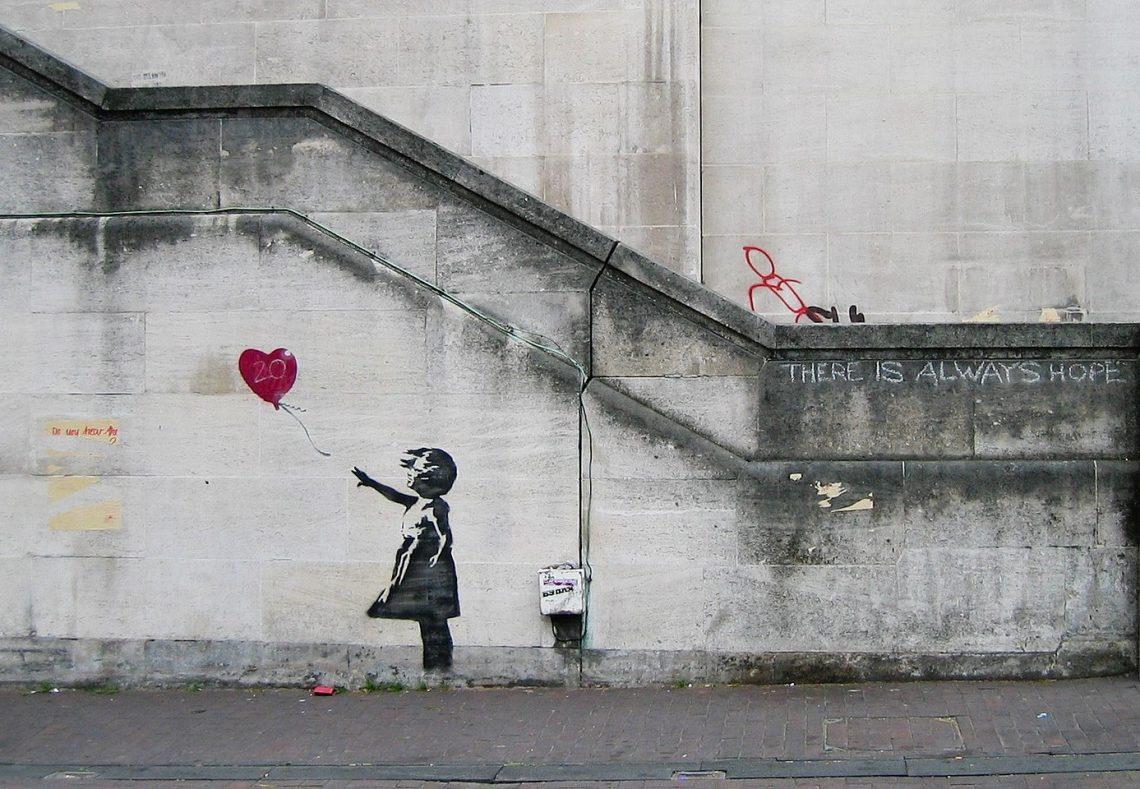 Banksy street art fille balon