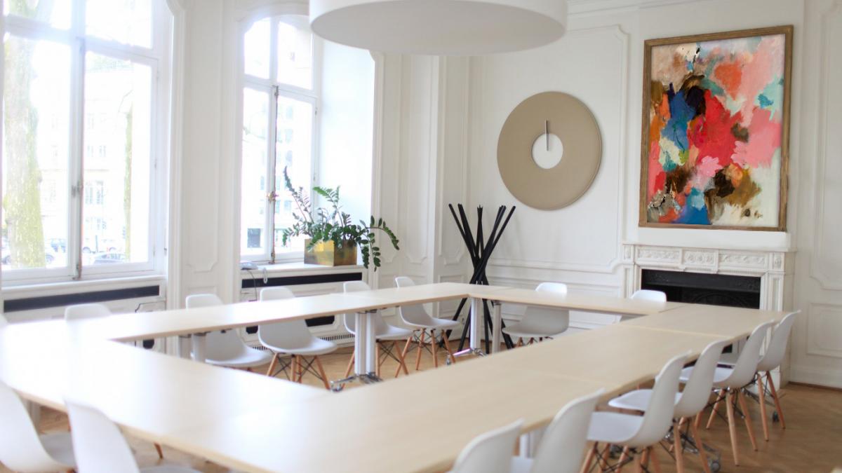 8 bonnes raisons de choisir le leasing d'oeuvres d'art  pour vos bureaux
